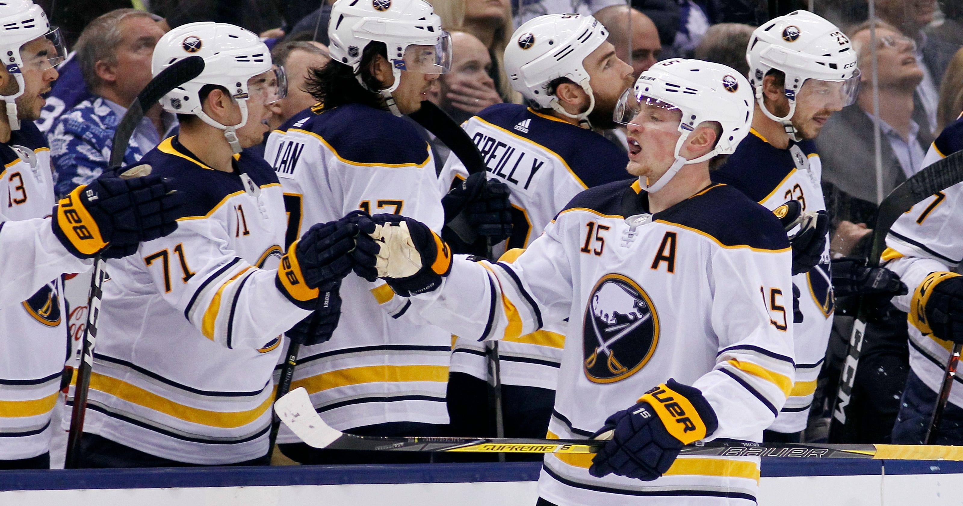 955df0ed6 Buffalo Sabres end Toronto Maple Leafs  club-record 13-game home win streak