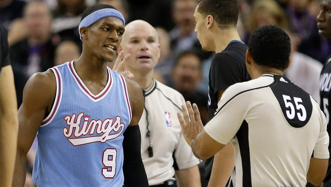 Kings guard Rajon Rondo (9) aimed a slur at official Bill Kennedy (55) and missed a chance to truly apologize.
