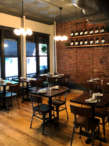 The front dining room at the newest Emmy Squared location