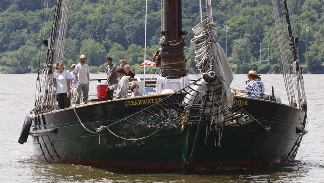 A concert will be held Sunday to raise funds to help in the restoration of the sloop Clearwater.