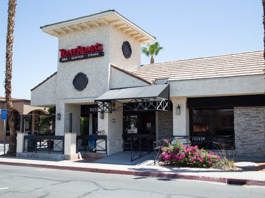 Tony Roma's restaurant in Palm Desert closes after serving diners for over 20 years, Wednesday, June 18, 2014.