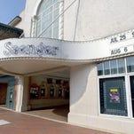 Video:  Wynton Marsalis Arrives at Saenger Theatre