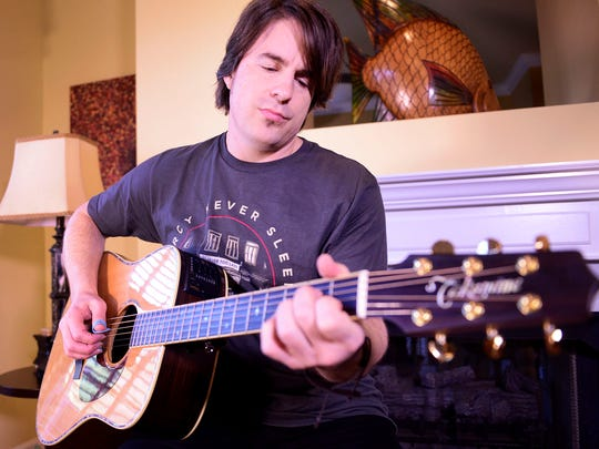 Country music artist Jimmy Wayne performs his song