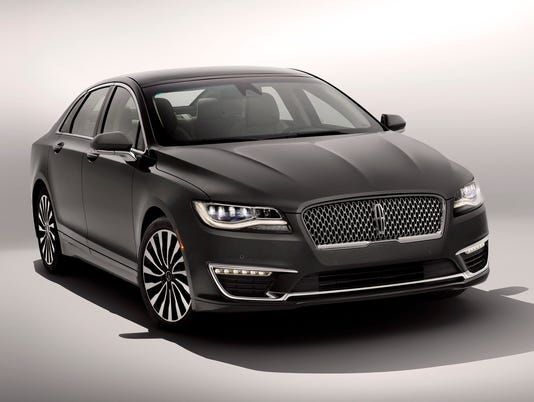 Brand New Lincoln Mkz >> Lincoln Mkz Sedan Puts On A New Face