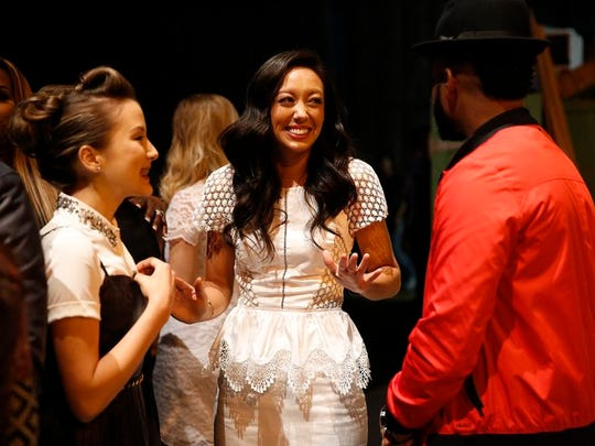"""Behind the scenes at the Knockout Rounds on """"The Voice, Amy Vachal chats with fellow contestants."""