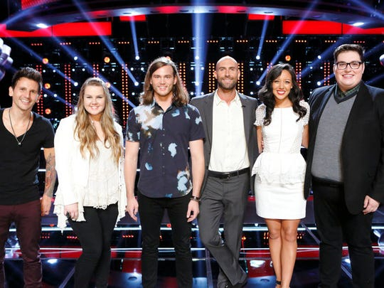 """Team Adam on """"The Voice"""" consists of Keith Semple, Shelby Brown, Blaine Mitchell, Amy Vachal and Jordan Smith with Adam Levine in the center."""