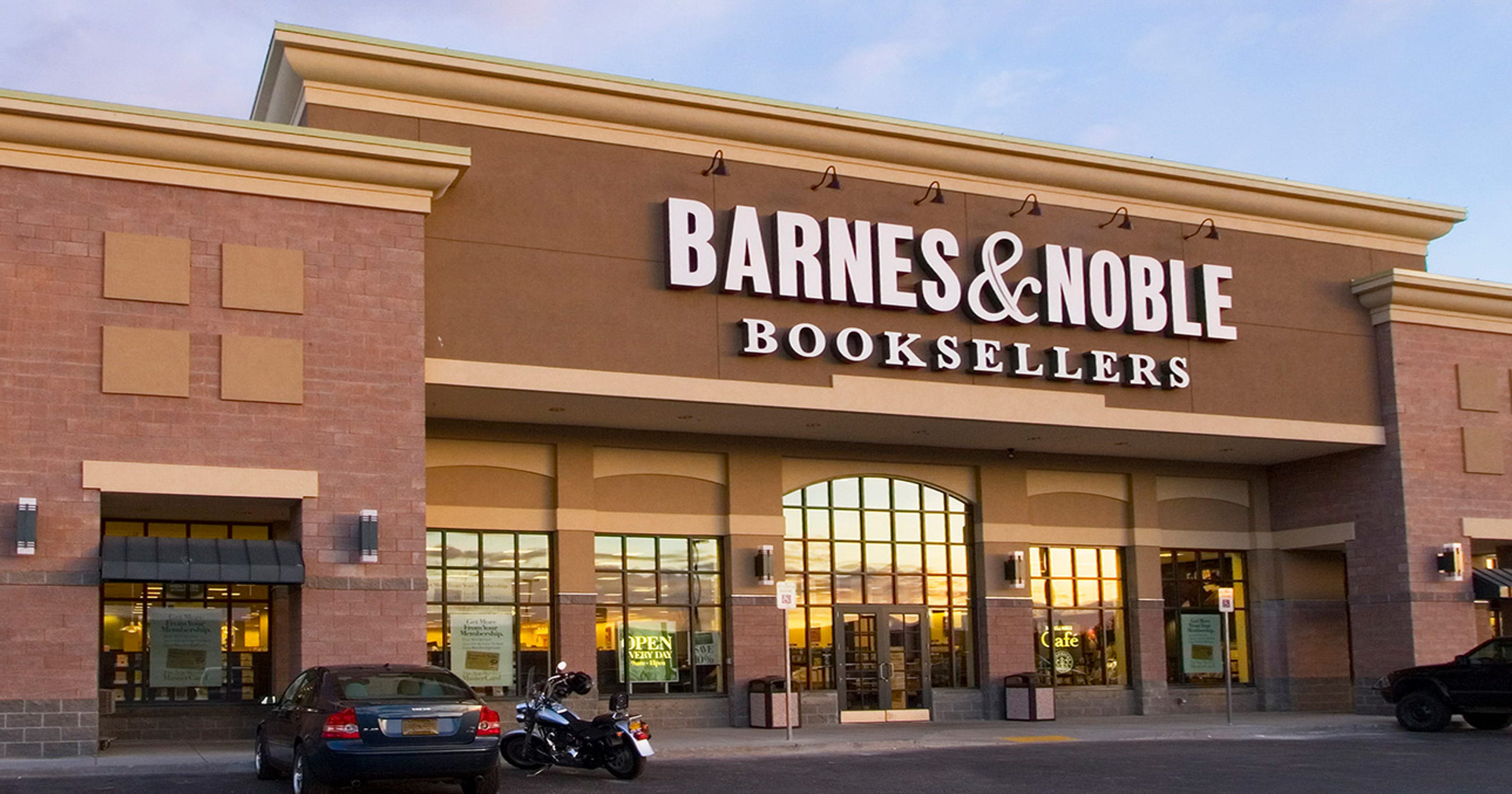 Barnes Amp Noble Sale Report Says Hedge Fund Nearing Deal