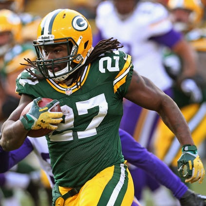 Eddie Lacy rushes against the Vikings.