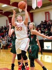 Bellevue's Jenna Strayer has a clear path Tuesday against