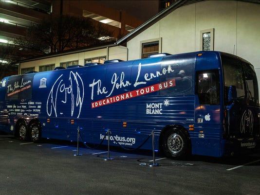 635658174187399113-John-Lennon-Tour-Bus