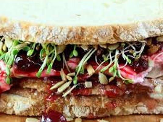 636467701001756203-Turkey-Cranberry-Sandwich-picture.jpg