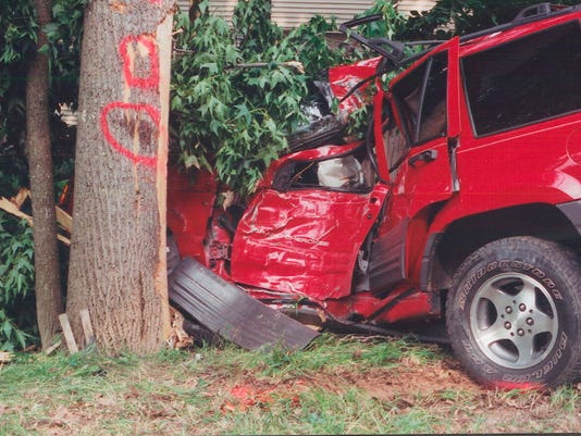 Study: Half of teen crash deaths were in old cars