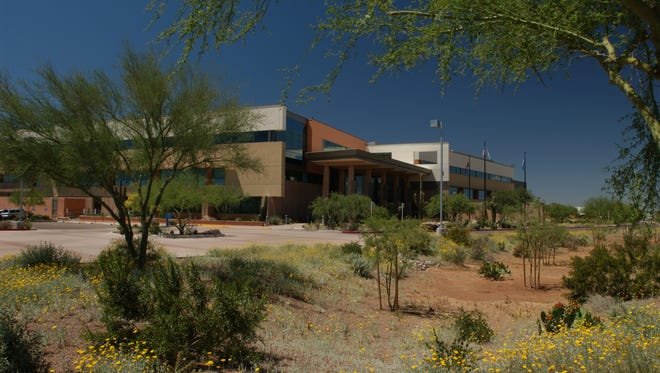 American Express plans to construct a new building and transfer 3,000 employees to this 90-acre site in northeast Phoenix.