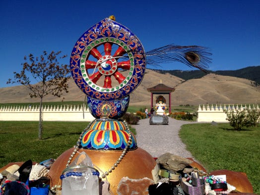 Tibetan buddhists build a garden for peace in montana Garden of one thousand buddhas