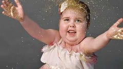 'They're just so beautiful': Gold Hope Project gifts photo sessions to kids with cancer