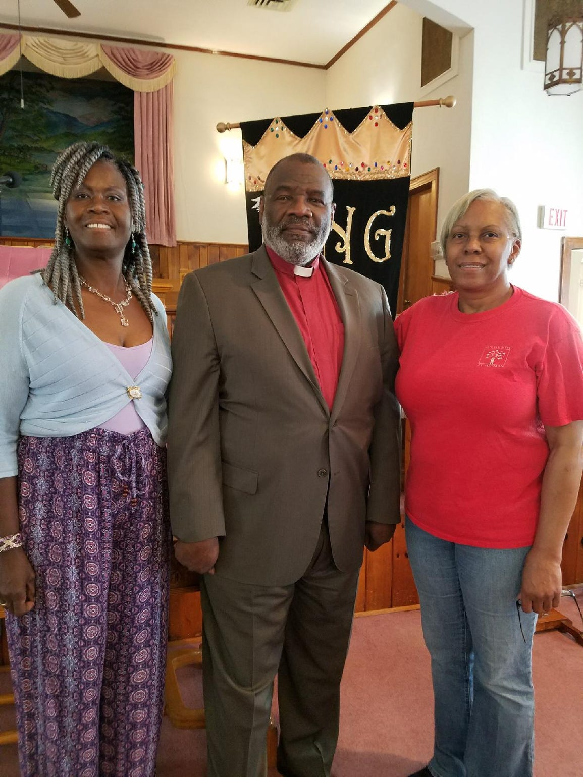 From left, Alma Atkins, Rev. Spencer E. Hardaway and