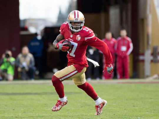San Francisco 49ers wide receiver Jeremy Kerley (17) runs with the football against the Seattle Seahawks during the first quarter at Levi's Stadium.