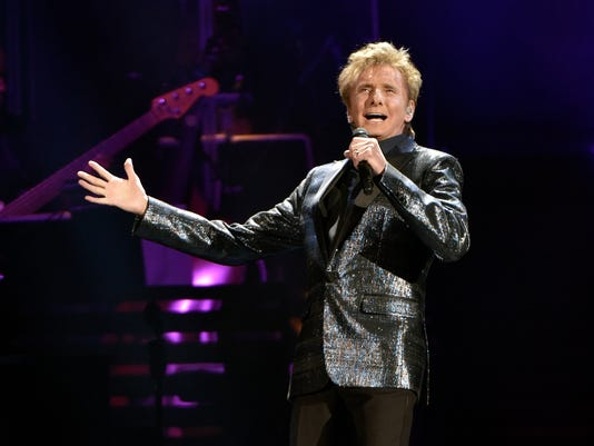 AP BARRY MANILOW IN CONCERT - ROSEMONT, IL A ENT USA IL