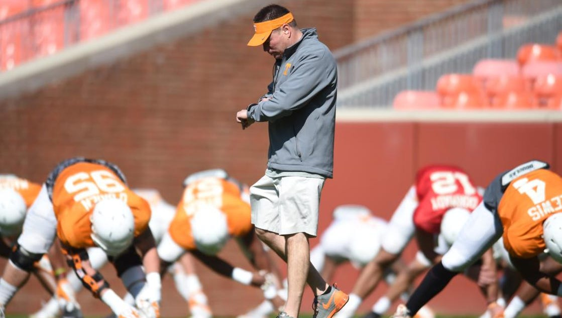 635946171312824685-tennessee-spring-football-3-