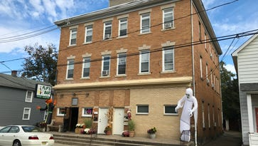 Neighbors concerned with 'type of people' at Flip's Bar rooming house in Wanaque