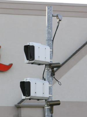 Red light cameras at the intersection of Campbell Ave. and Battlefield Rd.