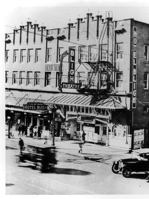 The Bligh Block, which included a theater and hotel, is seen circa 1924 on State Street. It was destroyed by fire in 1975. P 2007.001.0533 / Willamette Heritage Center