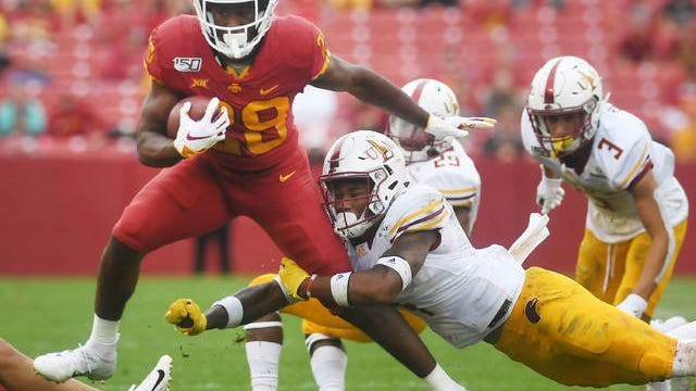 In essentially just eight games last season, Iowa State running back Breece Hall rushed for 897 yards on 186 carries. Breaking that down, the true freshman averaged 21.0 yards in the first four games, and 101.6 yards during the final eight. Photo by Nirmalendu Majumdar/Ames Tribune