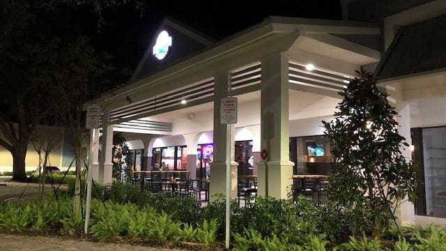 Casual and comfortable, Lindburgers in Jupiter offers dining indoors or on the patio. The large menu is built around the 50 varieties of burgers available, but there are lots of other choices, including salads, sandwiches and wraps.
