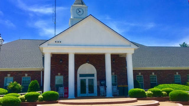 The Spring Hill Board of Mayor and Aldermen met this week to vote its first reading on next year's budget, which included an amendment to add one new police officer and vehicle to establish a Neighborhood Traffic Enforcement Unit. The unit would be intended to cut down on speeding throughout the city's neighborhoods.