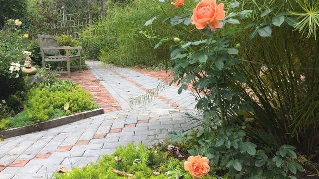 Rest.Stop.Ranch in Topsfield has wheelchair accessible gardens.