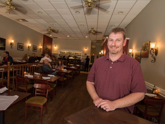 Owner Sean Hart celebrates  the 10th anniversary of his restaurant Belmonte's (Photo/James J. Connolly/Correspondent)