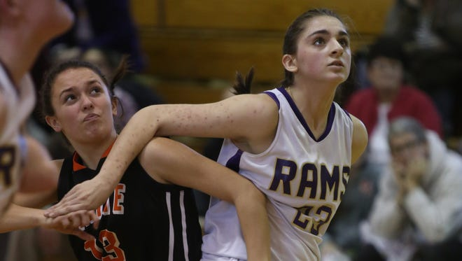 White Plains plays Clarkstown North during Section 1 Class AA girls basketball game in New City Feb.16, 2017