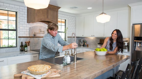 Hosts Chip and Joanna Gaines. Credit: HGTV