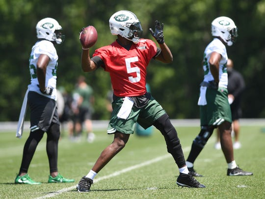 Jets minicamp at Atlantic Health Training Center on Tuesday, June 12, 2018. QB #5 Teddy Bridgewater.