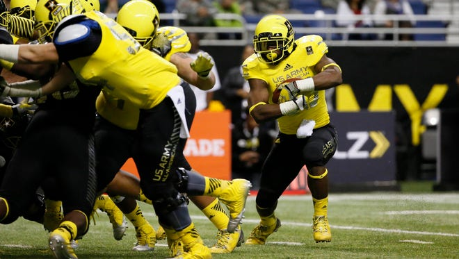 Running back Joe Mixon (28) runs the ball for a touchdown during U.S. Army All-American Bowl high school football game at the Alamodome on Jan. 4. Mixon is perhaps the top football prospect committed to a Big 12 school.