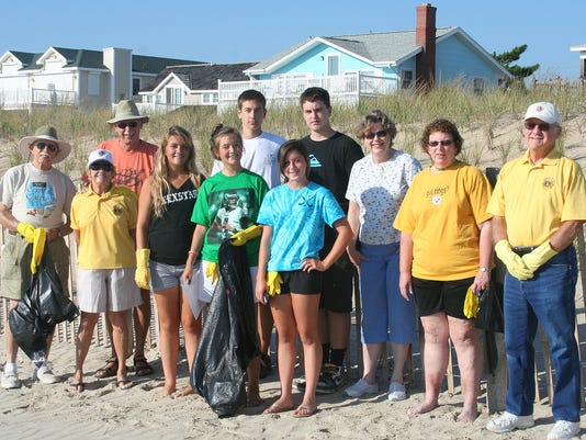 LEOs & Fenwick Lions Beach Clean Up.jpg
