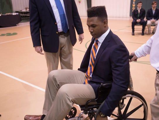 Prince Tega prepares to sign with Auburn University