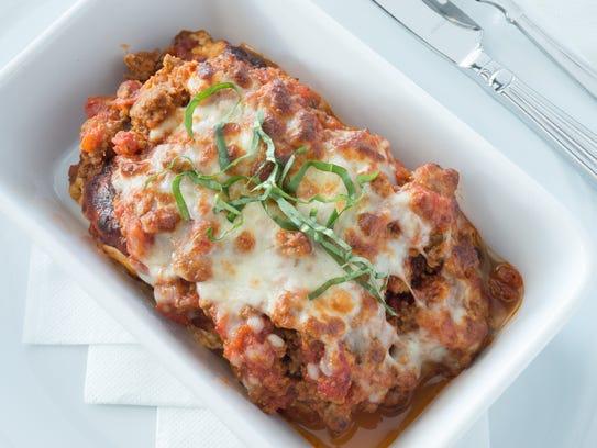 Lasagna Casareccia consists of six layers of noodles,