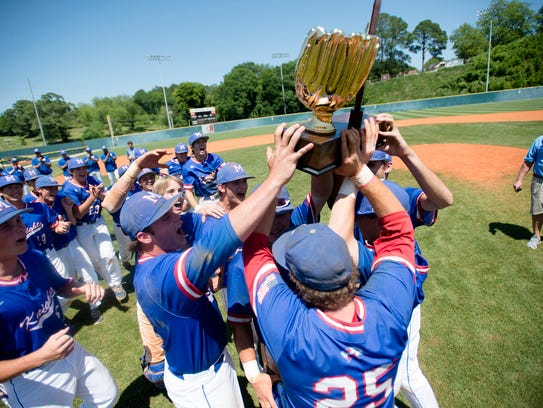 Macon East receives the AISA Class AA State Championship