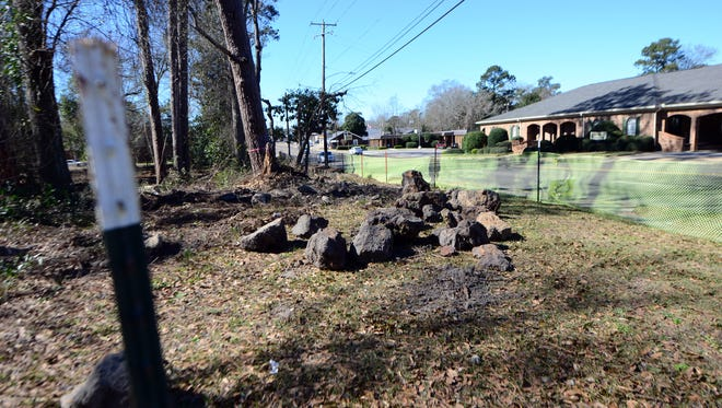 A 1.5-acre plot of land on the 800 block of Hardy Street, belonging to the Hattiesburg Public School District, is being turned into a park with a walking path.