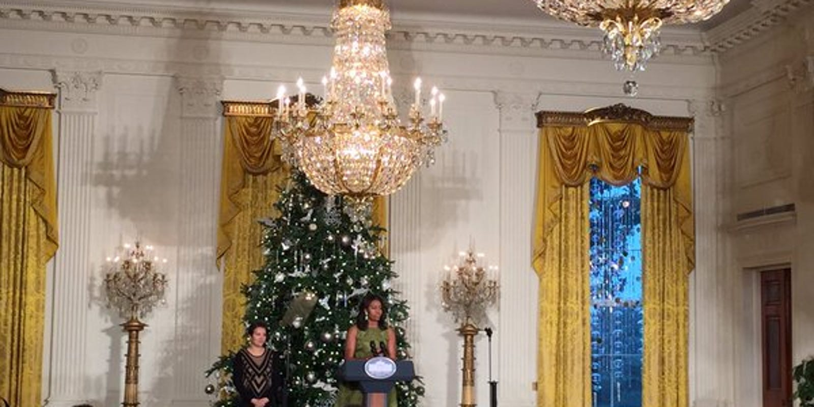 First lady reveals white house decorations for White home decorations