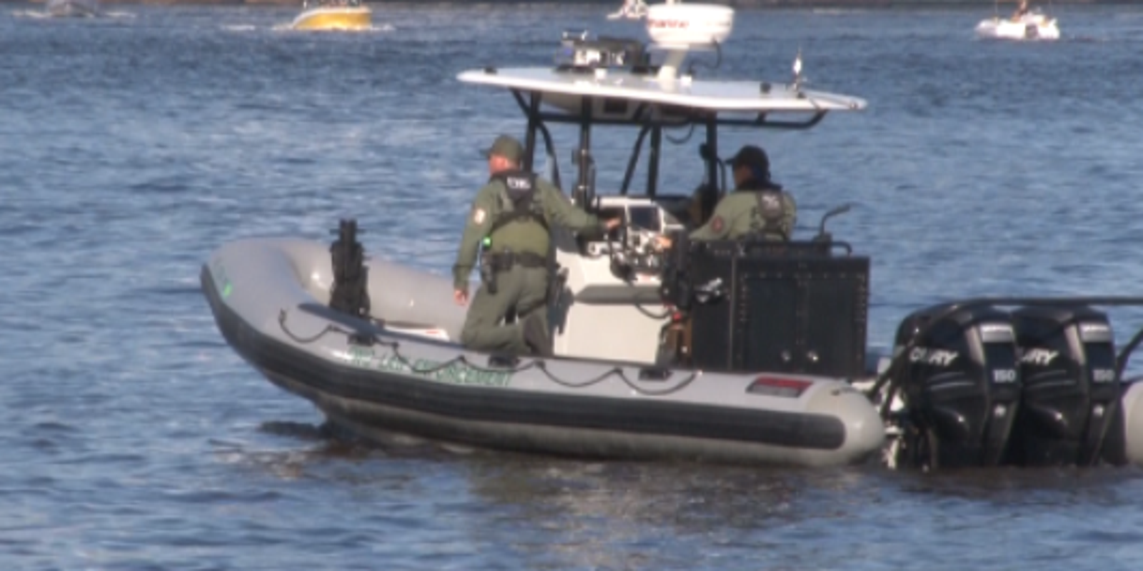 coast guard resumes search for missing boaters
