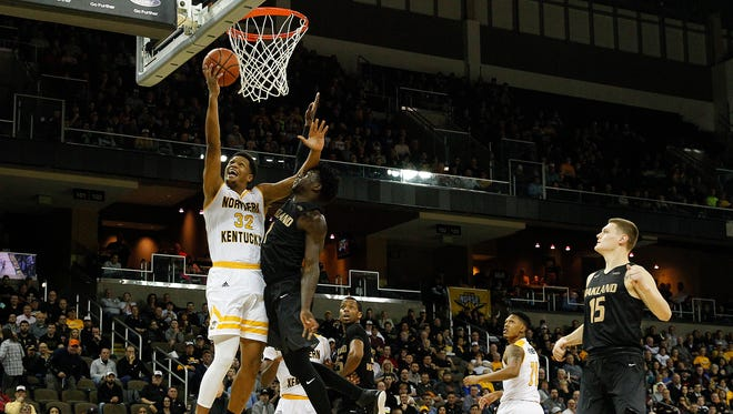 Northern Kentucky Norse guard Dantez Walton (32) scores a layup in the first half during the NCAA college basketball game between Oakland Golden Grizzlies and the Northern Kentucky Norse, Friday, Jan. 26, 2018, at BB&T Arena in Highland Heights, Kentucky.