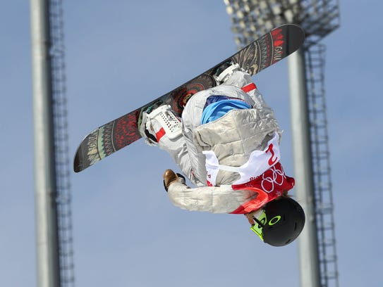 Jamie Anderson (USA) competes in women's snowboarding