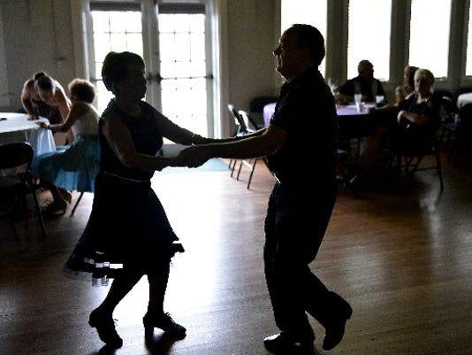 USA-DANCE13.JPG