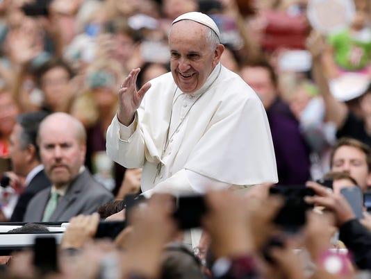 635820617116083787-Pope