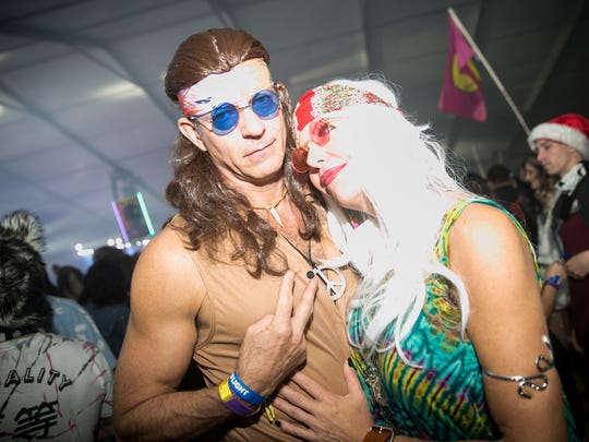 This couple enjoyed some hippie vibes during Decadence