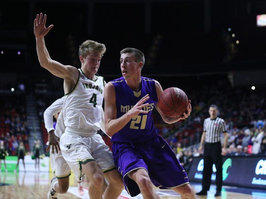 Muscatine product Joe Wieskamp, right, is expected to play a major role this season as a true freshman for Iowa basketball.