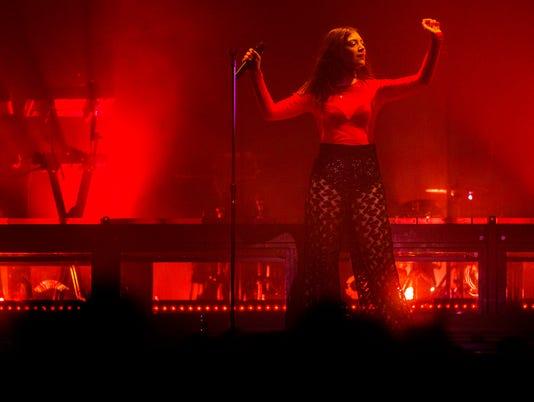 0325 Lorde 15.JPG