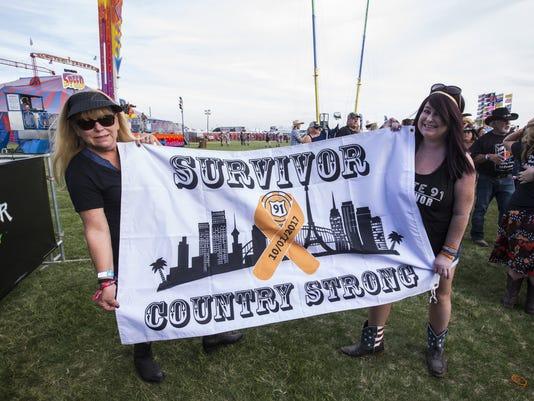 Country Thunder Arizona remembers Las Vegas shooting